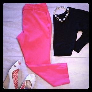 Worthington hot salmon pink textured capri pants